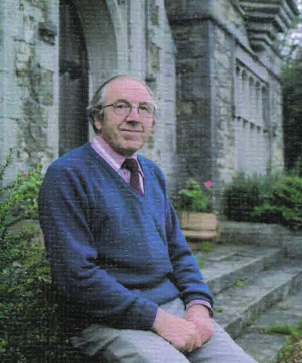 A picture of 'Glyn Russel Owen'